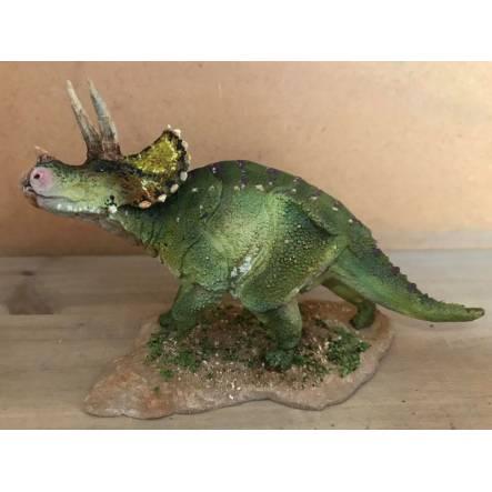 Triceratops grün, Dinosaurier Modell