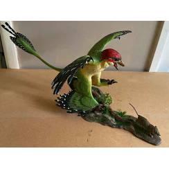 Microraptor hunting Eomaia, Dinosaurier Diorama, Green