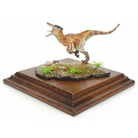 Austroraptor hellbraun, Dinosaurier Modell von Alexander Belov
