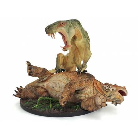 Inostrancevia grün gesprenkelt vs. Scutosaurus, Modell von Vitali Klatt