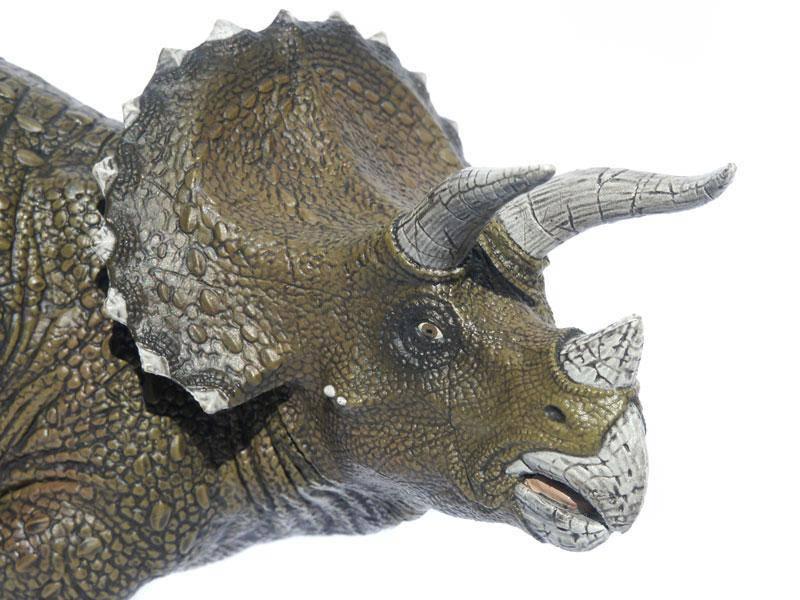 triceratops dinosaurier papo spielzeug